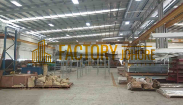 Kulai Factory For Sale with 2 Overhead Crane